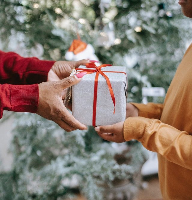 Team Greetabl's Ultimate Gift-Giving Checklist